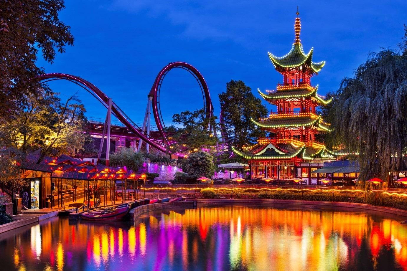 tivoli gardens theme park