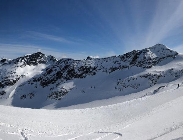 The Dangers of Skiing Off-Piste