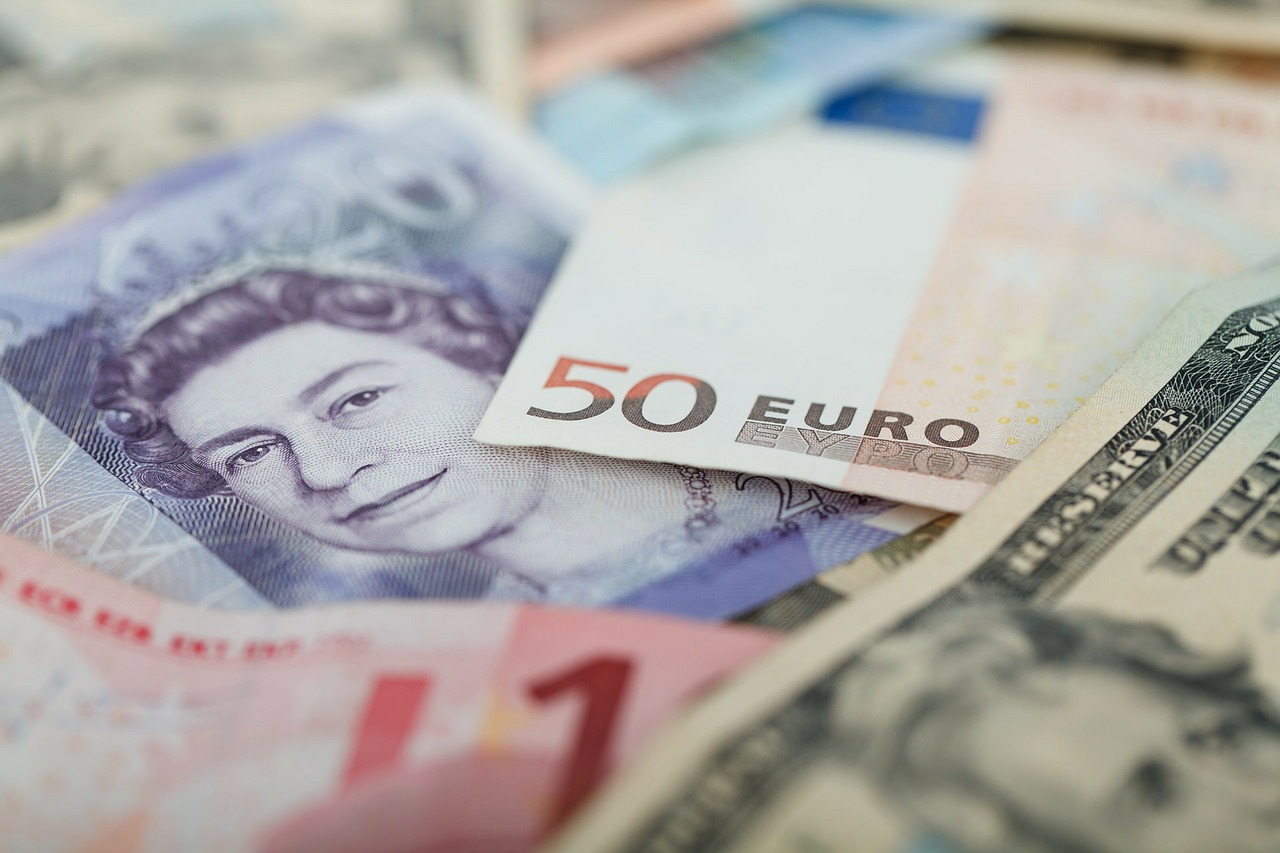 Strong pound offers holidaymakers better value