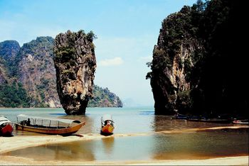 Thomson launches UK's first direct flight to Phuket,Thailand