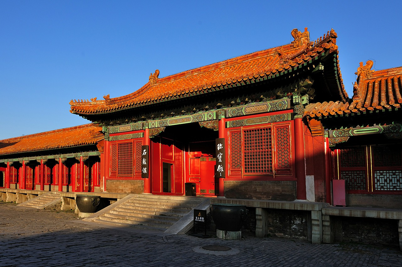 Tourists fly from Birmingham to Beijing with new direct route