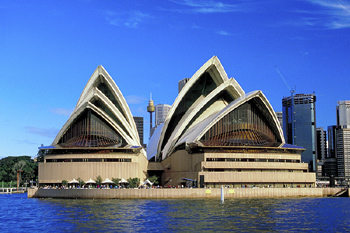 Australia launches tourism campaign to attract affluent travellers