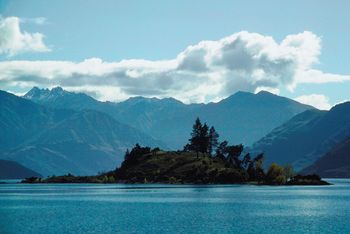 Hobbit film set to boost New Zealand tourism