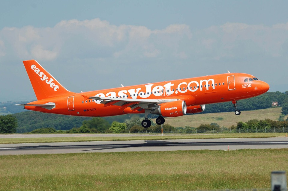 New Gatwick check-in for easyJet