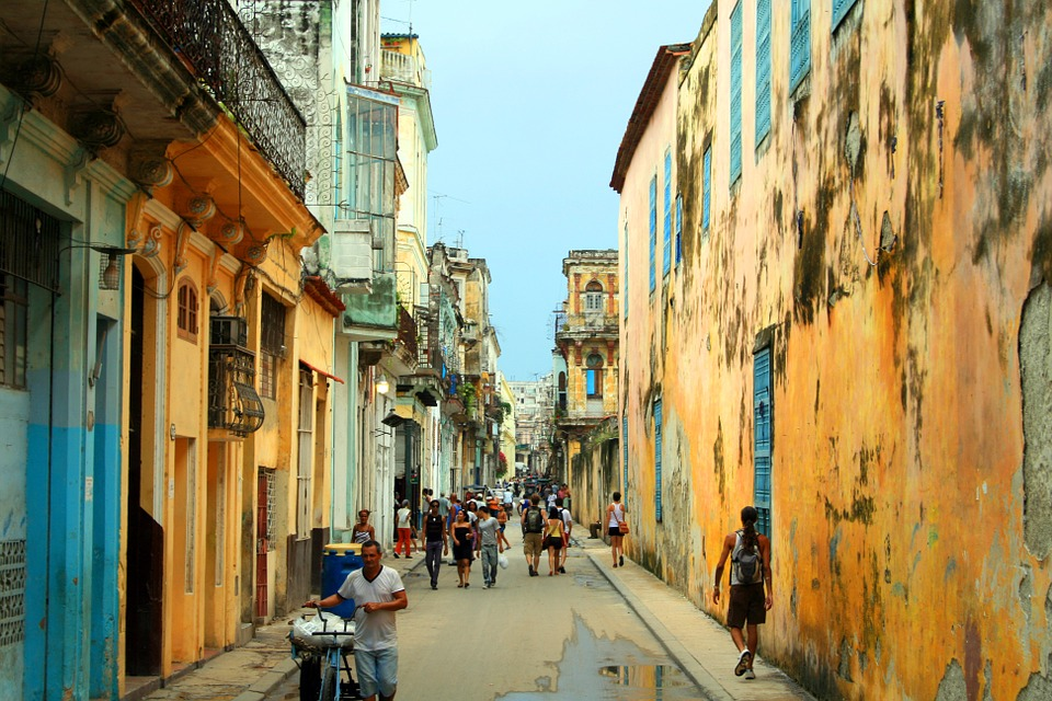 US-Cuba commercial flight links to start later this year