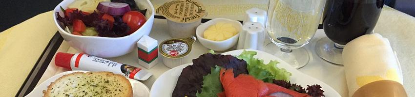 Free in-flight meals make comeback