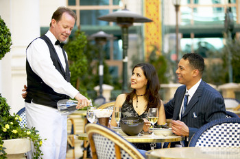 One in five women bothered by Romeo waiters